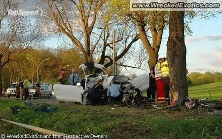 разбитые спорткары