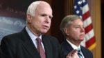 Маккейн: США должны сильно ударить Россию из-за взлома выборов