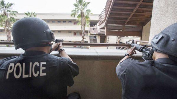 вооруженный эмигрант напал на военного
