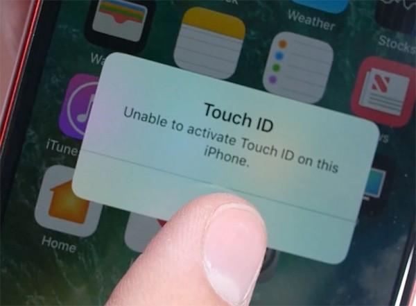 поставить черную рамку на красном iPhone 7