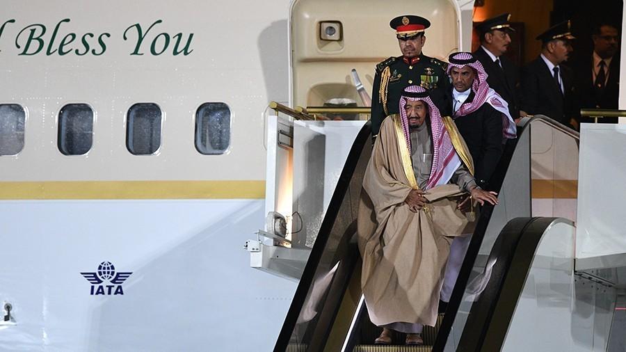 У короля Саудовской Аравии сломался эскалатор