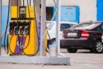 Крупнейшие сети АЗС снова подняли цены на бензин и дизтопливо