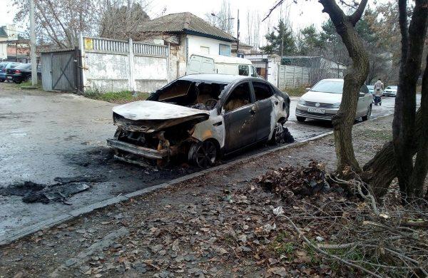 Mercedes улетел в кювет