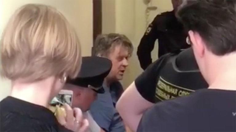 Боровой обвиняется по статьям 105 («Убийство») и 206 («Захват заложников»)