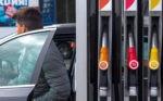 Цены на заправках начали падать, после требования Антимонопольного комитета
